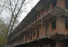 """甘肃""""藏于大山""""的军工厂 如今建筑自生自灭"""