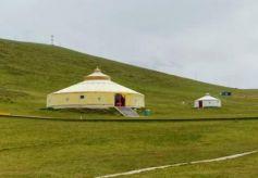 甘肃岷县的湿地草原 景区面积近百万亩