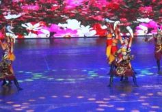 肃南旅游走进张掖丹霞景区 民族歌舞惊艳亮相