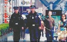 纪录片《中国警察》中某群众演员疑似扎克伯格  形象喜感